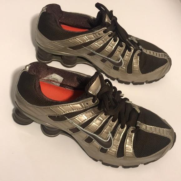 timeless design ff638 6654e Like new euc Nike shox. M 5a6c2a6450687c568c513285